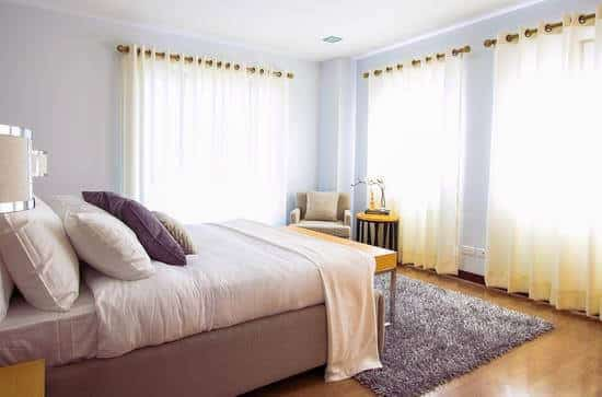 close curtains to save money on utilities